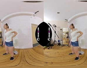 2019-10-17-sanija-first-nude-virtual-reality-3d-video-interview