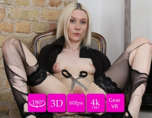 2020-10-14-ingrid-skinny-blonde-hate-stockings-vr3d
